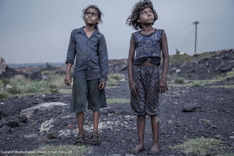 Der zweite Preis des renommierten Wettbewerbs geht an eine Reportage des indischen Fotografen Supratim Bhattacharjee. Er hat in den Gesichtern dieser Kinder ihr ganzes Elend eingefangen: Entsetzen, Erschöpfung, Zerstörung.