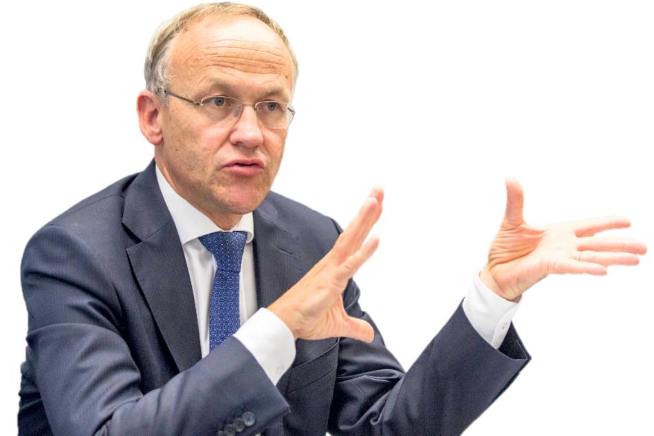Finanzbürgermeister Peter Lames (55, SPD) sieht keinen Bedarf für den Einsatz zusätzlicher Lastenfahrräder.