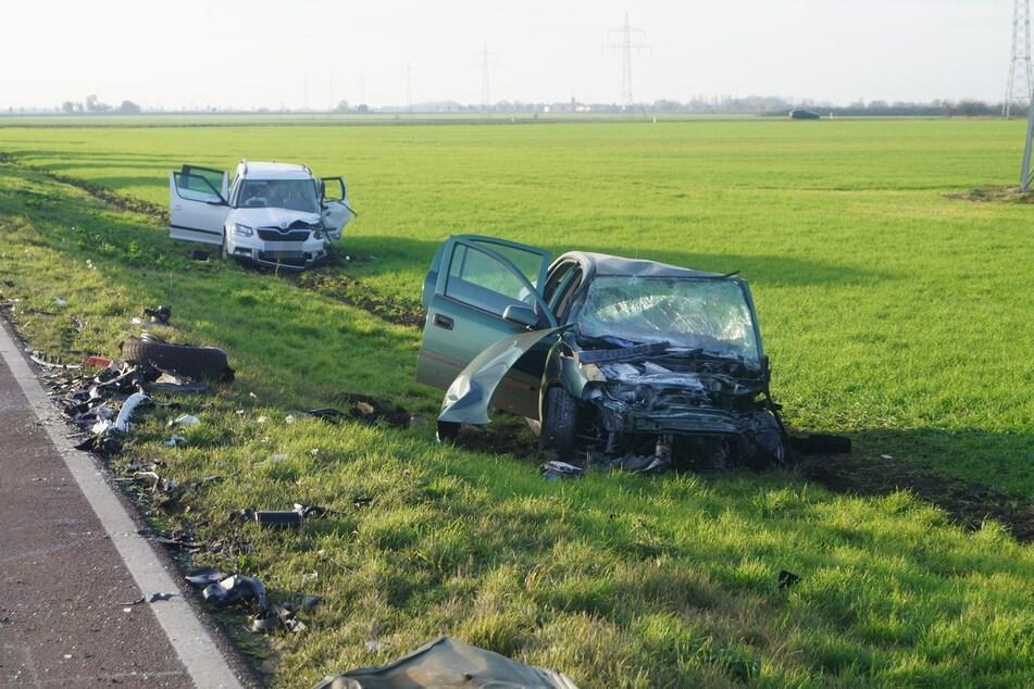 Insgesamt waren drei Fahrzeuge an dem Crash beteiligt.