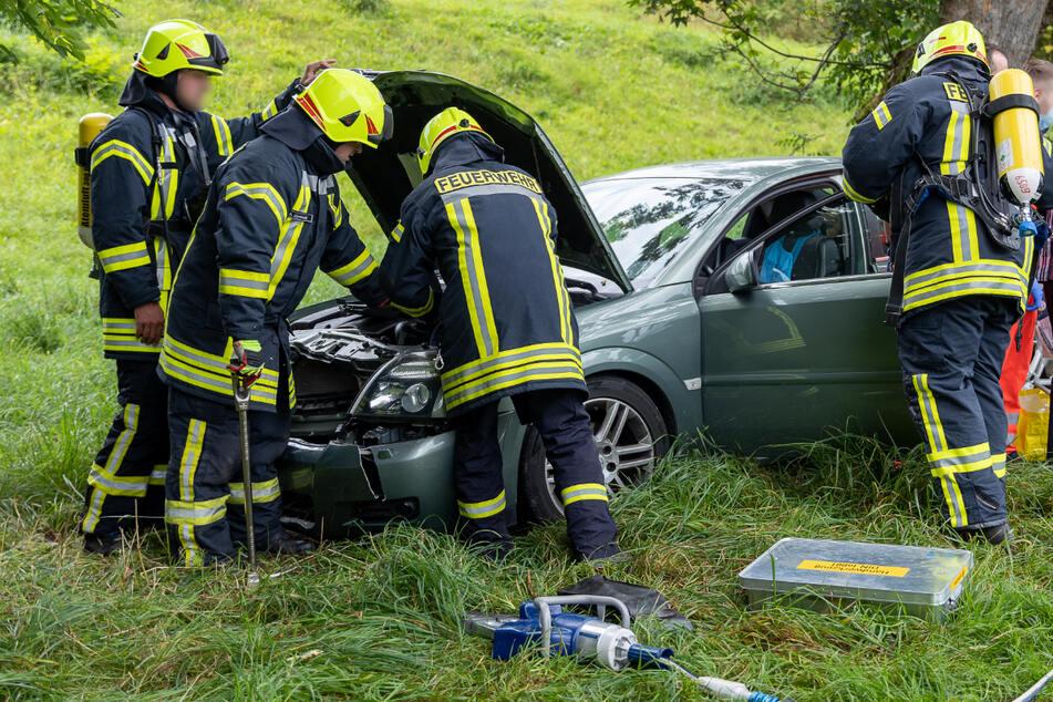Die Feuerwehr klemmte sofort die Batterie ab, um weitere Gefahren zu verhindern.