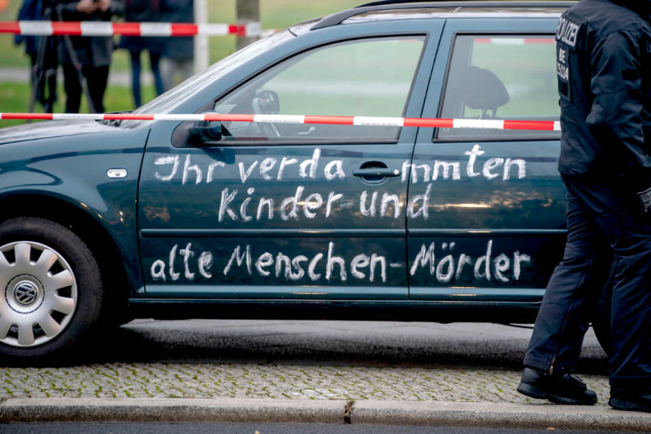 Nach Auto-Attacke vor Kanzleramt: Fahrer immer noch im Polizeigewahrsam!