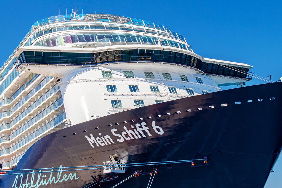 Ein Dutzend positive Corona-Tests auf deutschem Kreuzfahrtschiff vor Griechenland!