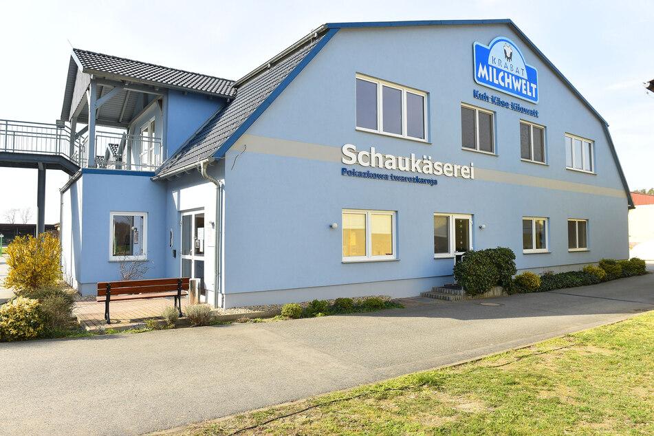 Der eigene Hofladen vor den Toren von Wittichenau ist in Corona-Zeiten länger geöffnet.