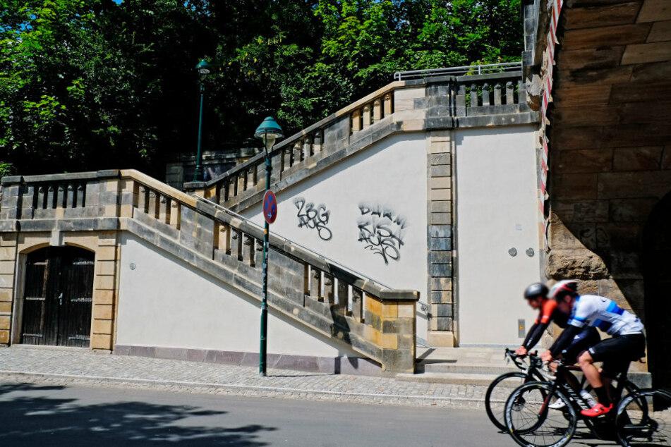 Kaum saniert, schon beschmiert! Erneut Graffiti an der Kaßbergauffahrt