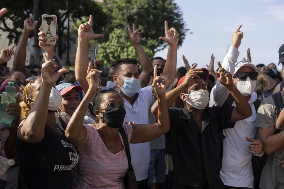 Anti-Regierungs-Demonstranten protestieren in Havanna, Kuba.