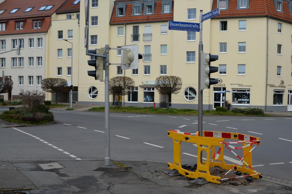 Leipzig: Leipzig: Betrunkener BMW-Fahrer knallt gegen Ampel