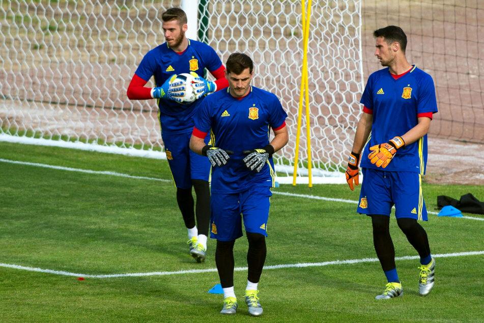 Iker Casillas (M.) bestritt 167 Länderspiele für Spanien.