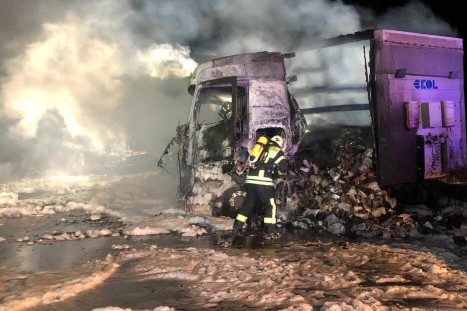 Unfall auf A3: Brennender Lkw sorgt für Verkehrschaos
