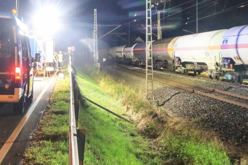 Ein Mensch wurde in Kronach von einem Güterzug erfasst und tödlich verletzt.