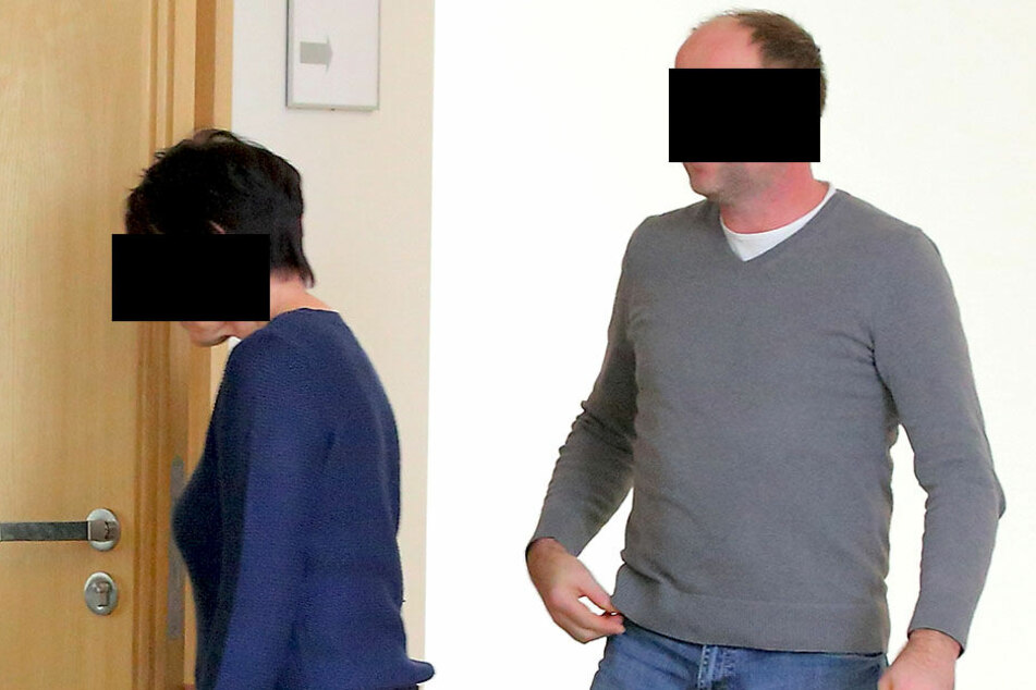 Barbara (65) und ihr Sohn Ronny L. (44) im Amtsgericht Dresden.