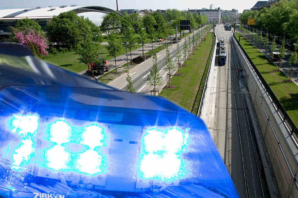 Unfallflucht im Waldstraßenviertel: Polizei sucht Zeugen!