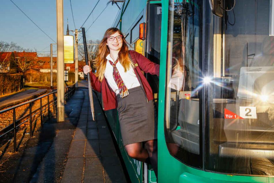Straßenbahnfahrerin Laura-Teresa von Burski (24) hat Mitternacht Pause.