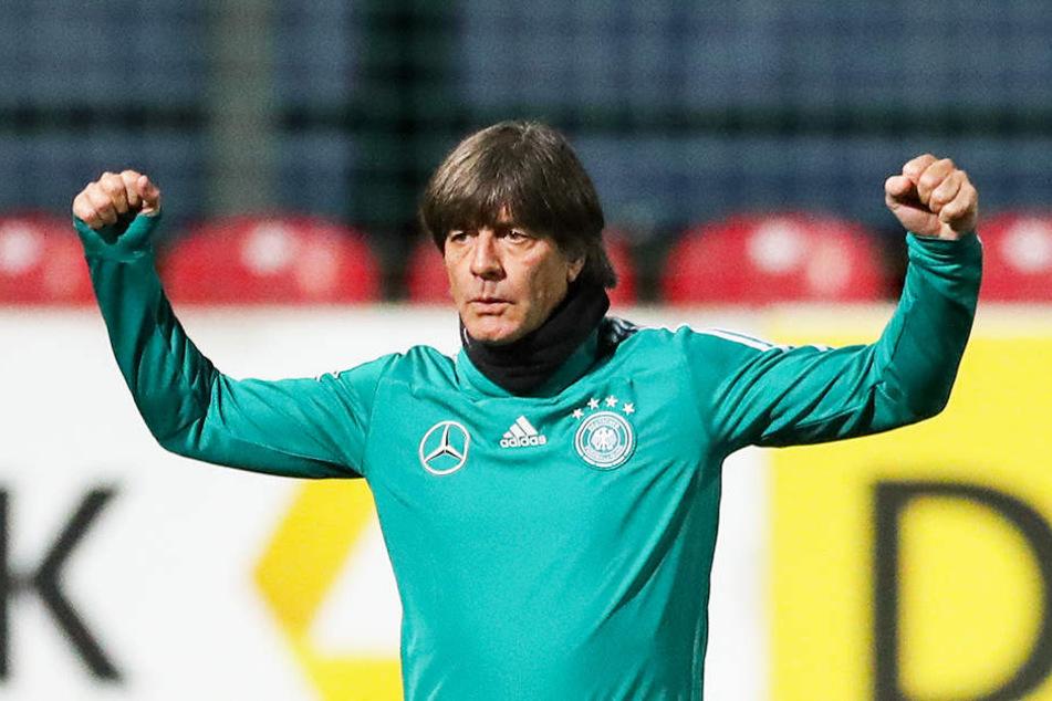 Setzt heute Abend auf die jungen Wilden: Bundestrainer Joachim Löw.
