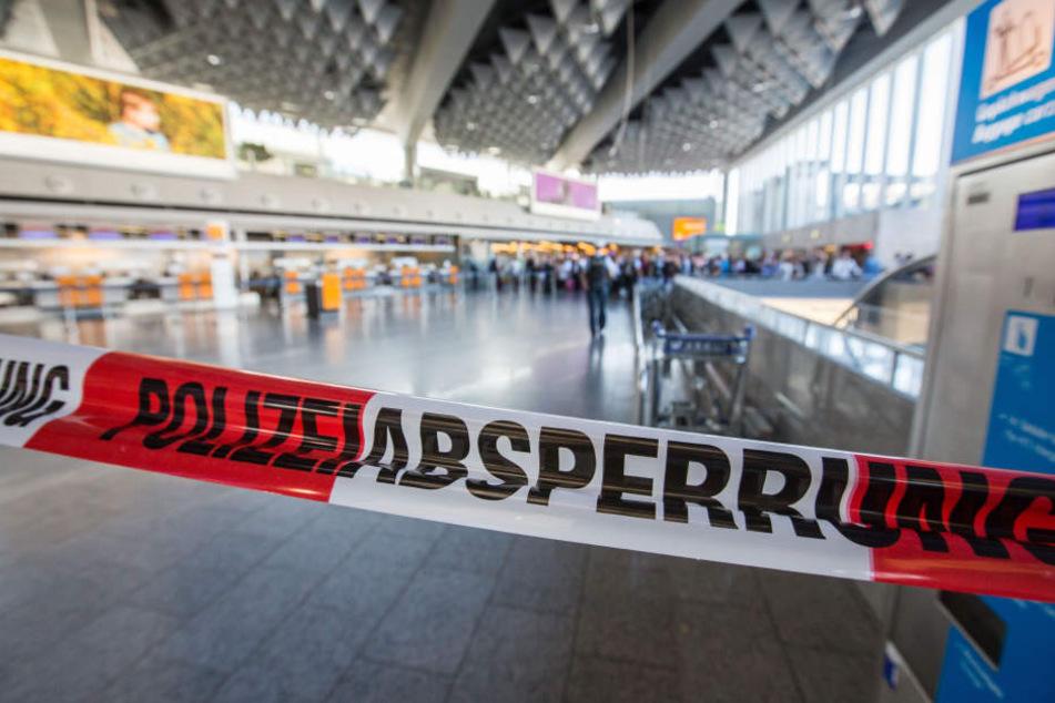 Am Frankfurter Flughafen gab es nach einem Reizgasangriff mehrere Verletzte.