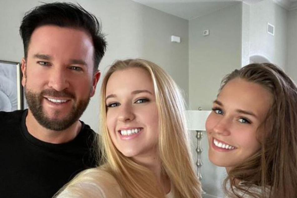Michael Wendler mit seiner Tochter Adeline (Mitte) und seiner Freundin Laura.