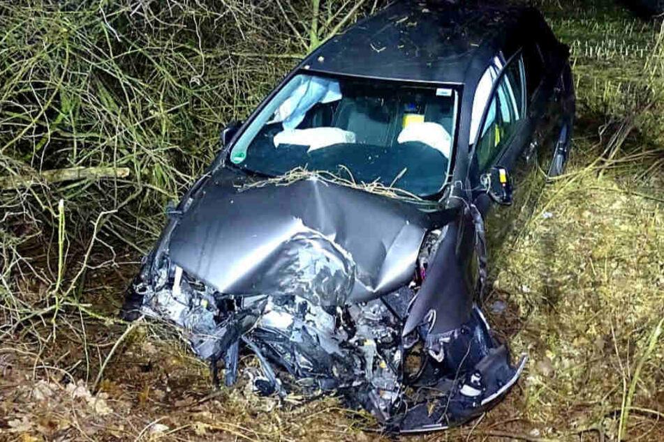 Schwer verletzt wurde der mutmaßliche Autodieb ins Krankenhaus gebracht.