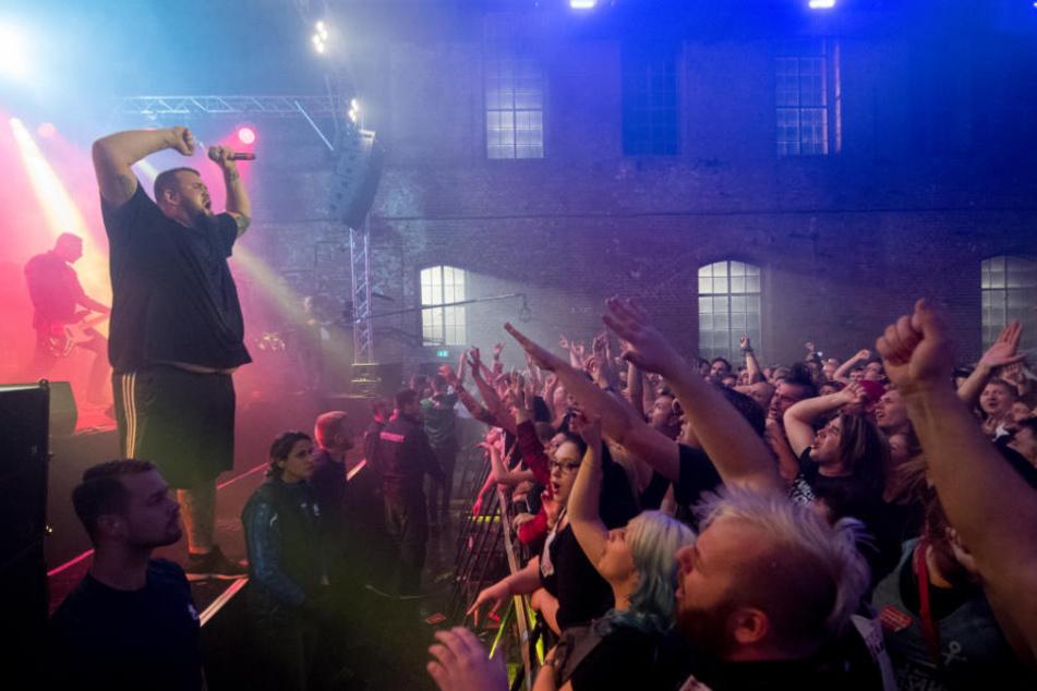 Die Punkband Feine Sahne Fischfilet ist bei den Fans beliebt.