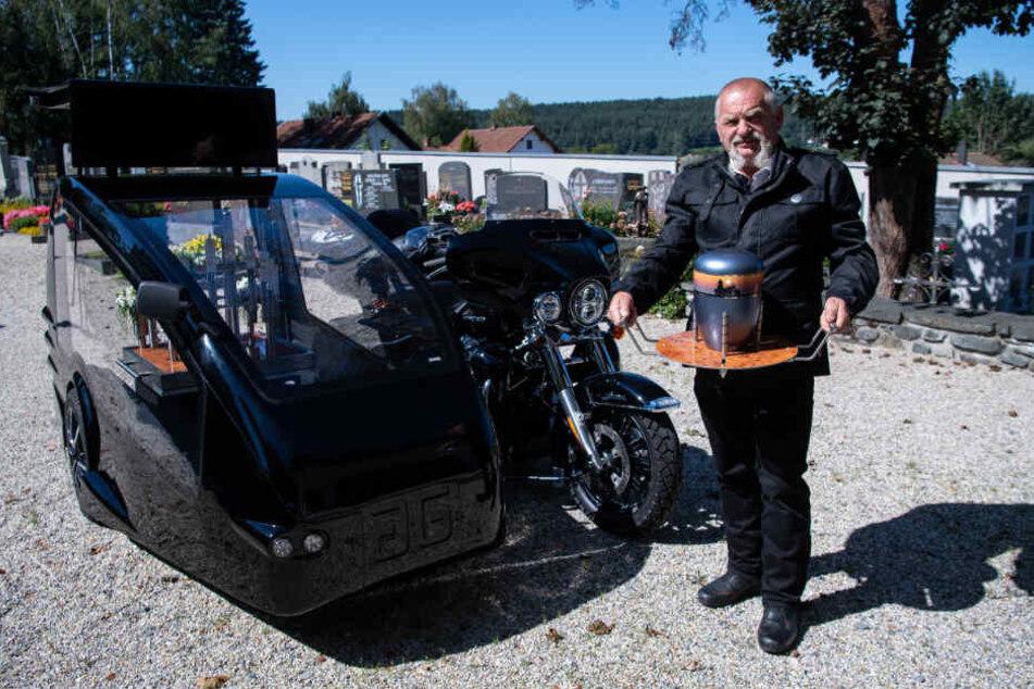 Wolfgang Frisch mit seinem Spezialgespann. 100.000 Euro hat der Unternehmer dafür investiert.