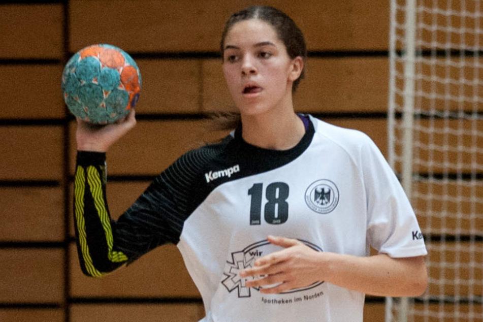 Auch Stefan Kretzschmars Tochter Lucie Marie (17) ist Handballerin, gehört dem Kader der 1. Mannschaft des Drittligisten HC Leipzig an und ist Junioren-Nationalspielerin.