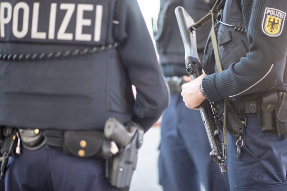 Die Bundespolizei konnte eine Schleuserfahrt in Bayern stoppen. (Symbolbild)