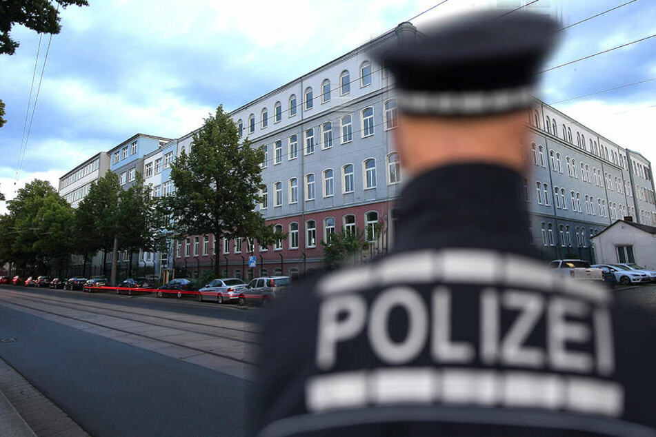 In den Asylunterkünften auf der Hamburger Straße und auf der Bremer Straße kam es zum Auseinandersetzungen von Bewohnern und dem Sicherheitsdienst. Die Polizei schritt ein.