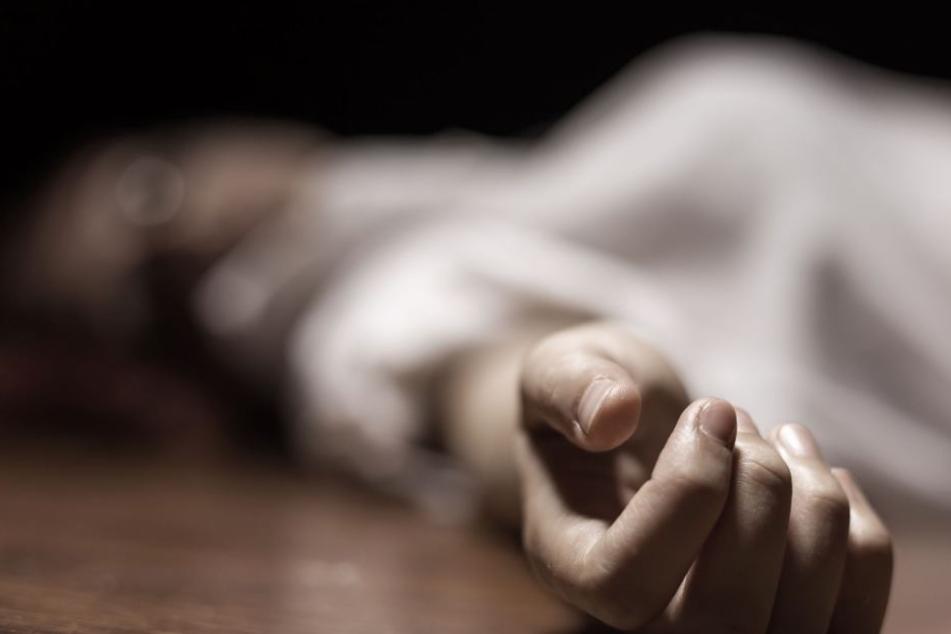 Die Ermittler erhoffen sich genauere Erkenntnisse nach der Obduktion des Leichnams.