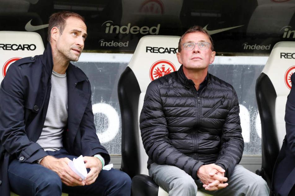 """""""Guck mal, Oli, da oben ist die Tabellenspitze"""", dürfte sich RB-Trainer Ralf Rangnick aktuell denken. In Frankfurt gab's erst Punkt Nummer fünf."""