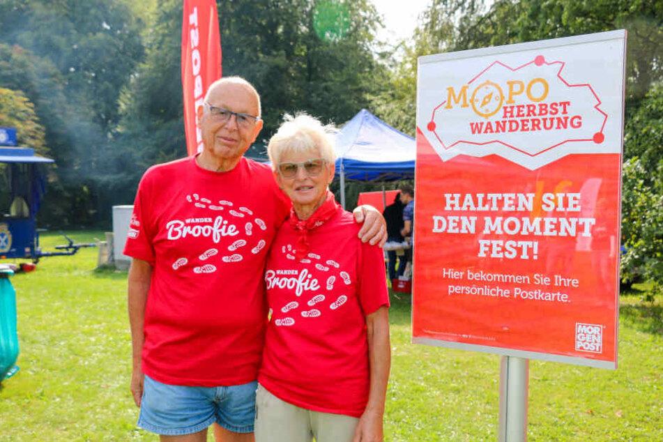 Jutta (77) und ihr Mann Dr. Hans Brockmann (80) posierten bei der MOPO-Wanderung.