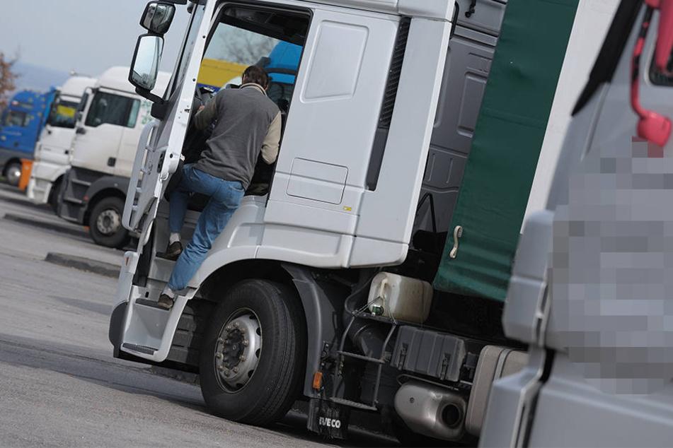 Logistikunternehmen in Sachsen-Anhalt suchen verzweifelt nach neuen Lkw-Fahrern. (Symbolbild)