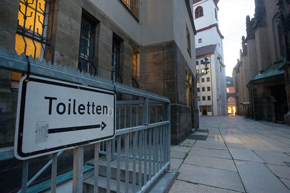 Rund 900.000 Euro berappt die Stadt für die Sanierung der WC-Anlage.