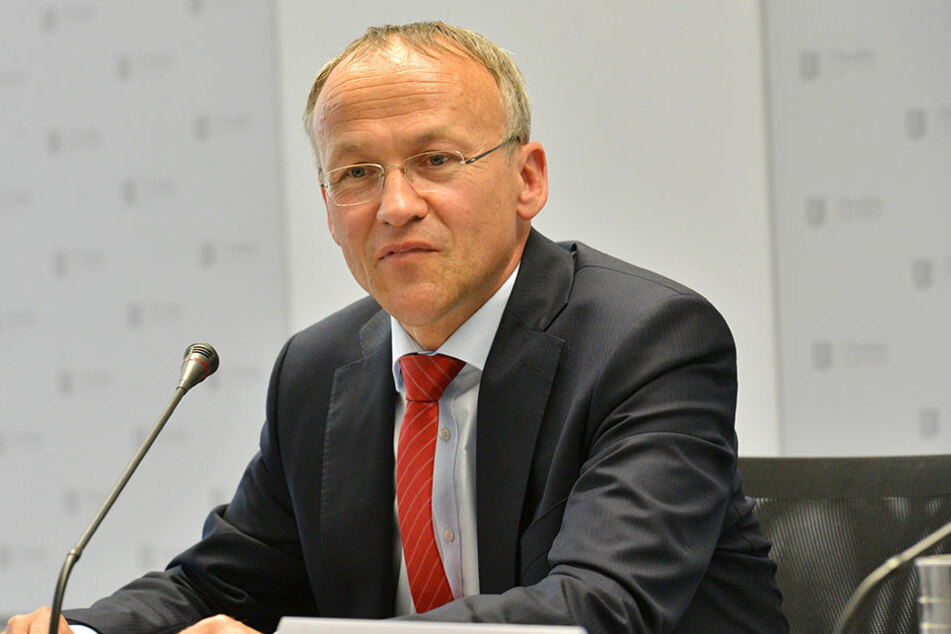 Finanzbürgermeister Peter Lames (52, SPD) stellte die Mai-Steuerschätzung  vor.