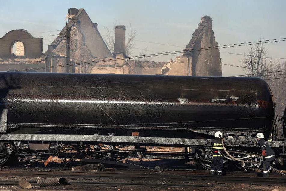 Nach einem schweren Zugunglück in Bulgarien hat sich die Zahl der Todesopfer bis zum frühen Sonntagmorgen auf nunmehr sieben erhöht.