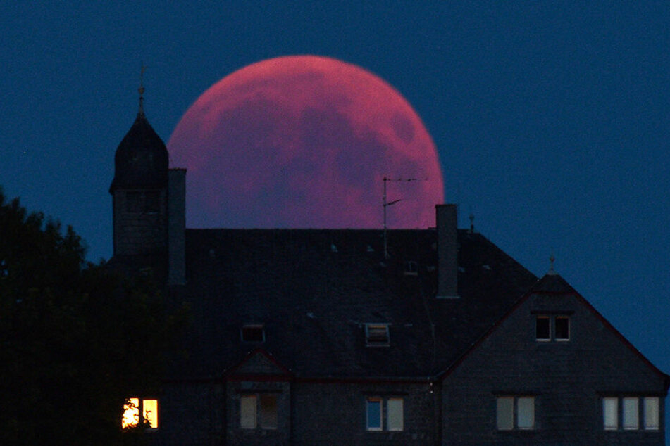 Mondfinsternis: Er wird dunkelrot! Heute verfinstert sich der Mond