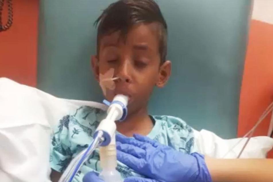 Der Urlaub endete für den siebenjährigen Jungen in einer Katastrophe.