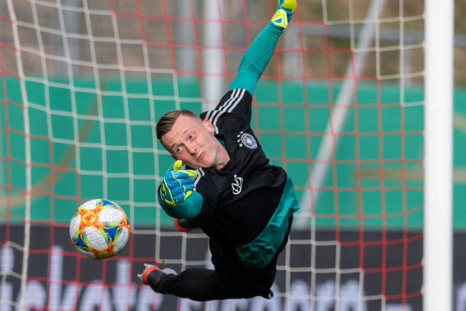 Darf jetzt nicht nur bei der deutschen U21 fliegen, sondern auch beim FC Schalke 04: Markus Schubert.