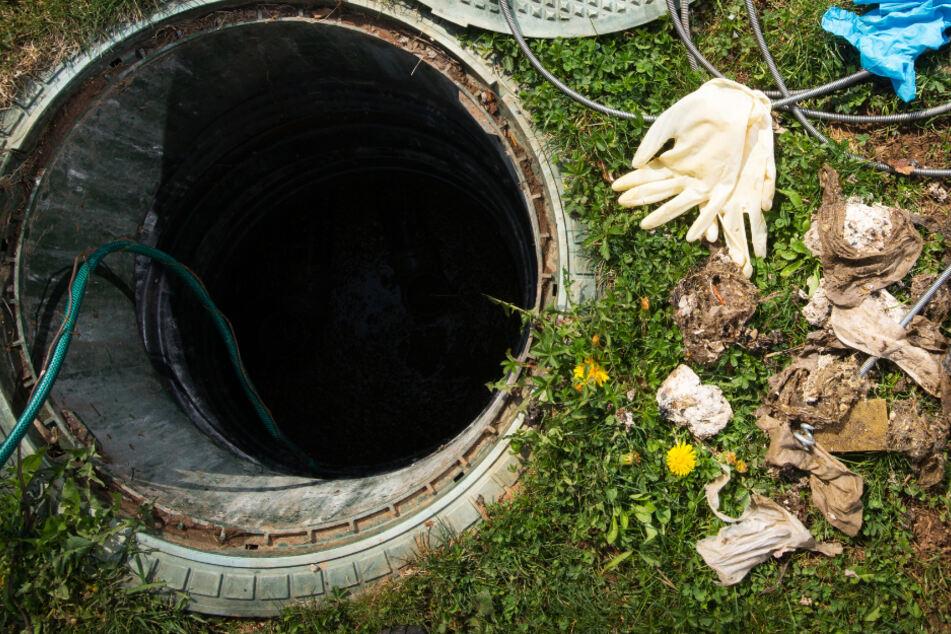 Der Junge blieb in dem Rohr stecken. (Symbolbild)