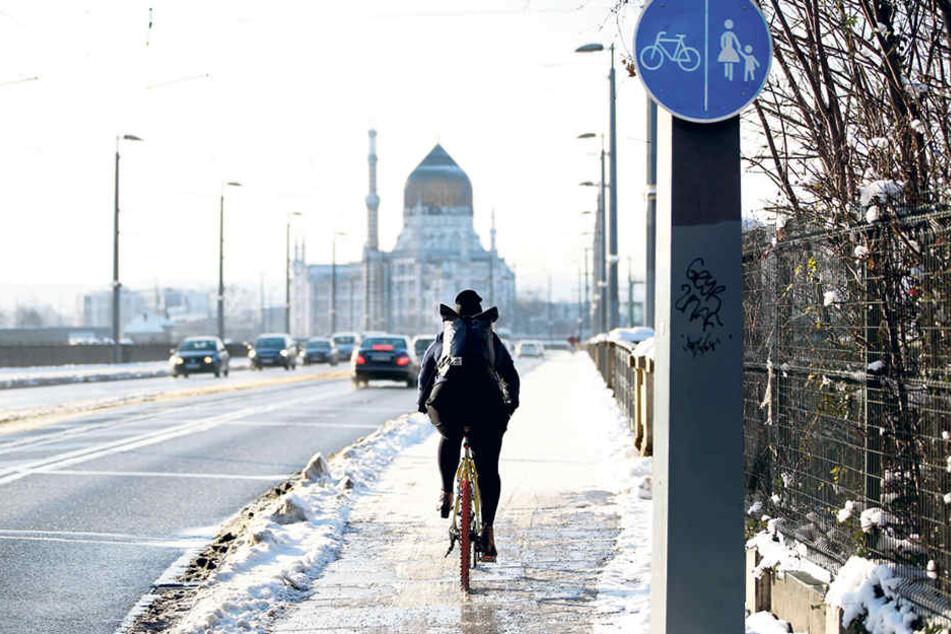 Ab dem Winter 2017/18 sollen die Dresdner Radwege bei Schnee geräumt werden.