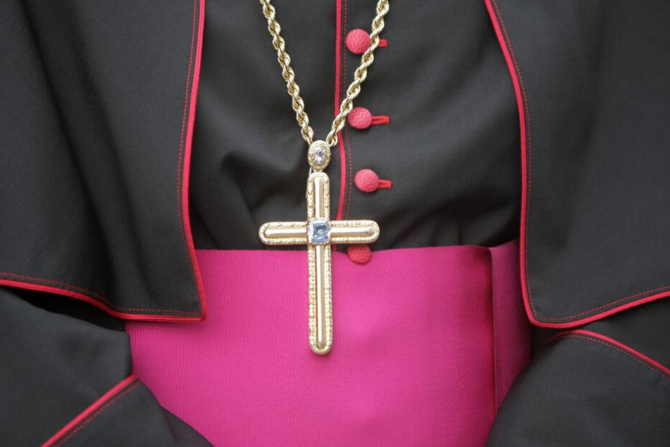 Rund 100 katholische Priester des Erzbistums München sind im Visier der Staatsanwaltschaft. (Symbolbild)
