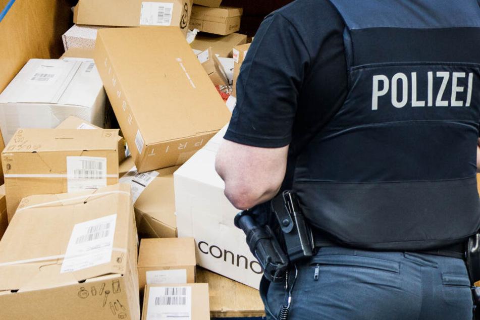 Nach der Explosion einer Postsendung in Marburg ermittelt die Polizei unter Hochdruck (Symbolbild).