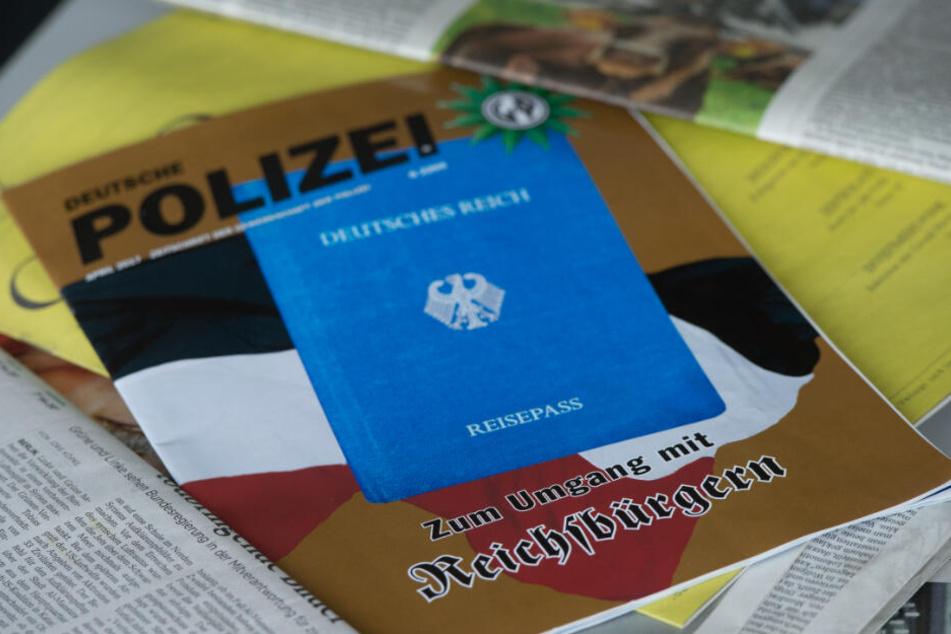 Der 59-jährige Tatverdächtige gehört der Reichsbürgerszene an und erkennt die Autorität der Polizei nicht an. (Symbolbild)