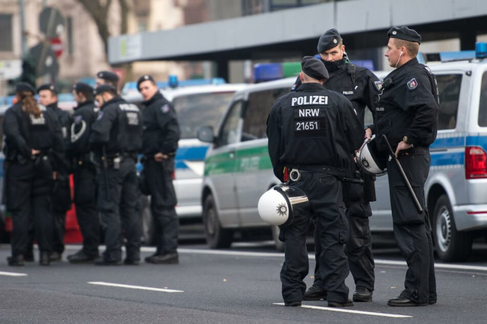 Die Polizei in Köln bereitet sich auf größere Demonstrationen vor. (Symbolbild)