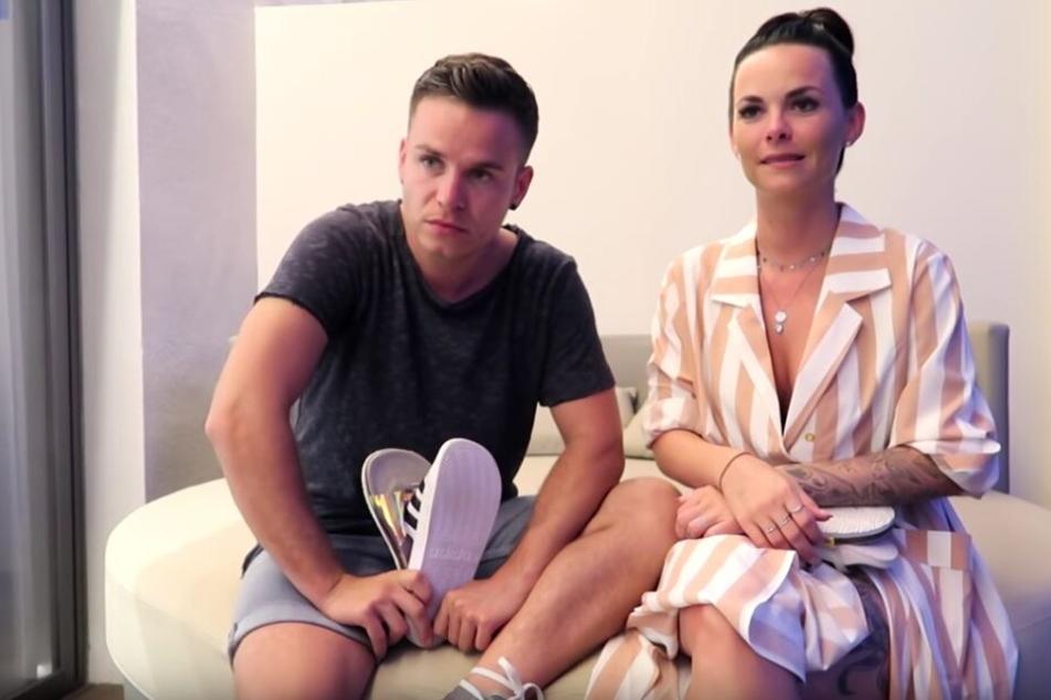 Auf YouTube stellen sich Henning Merten (30) und Denisé Kappés (29) unangenehmen Fan-Fragen.