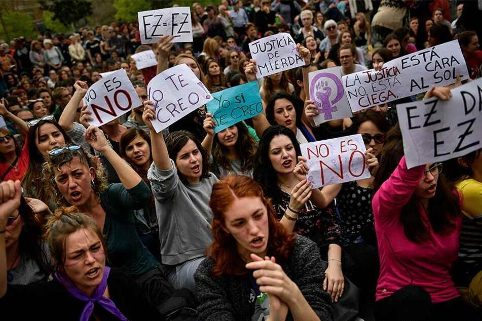 Am 27. April 2018 gab es in Spanien Proteste wegen eines anderen milden Urteils in einem Vergewaltigungsprozess.