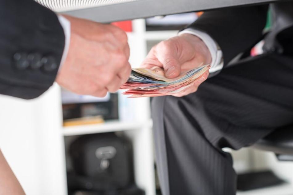 Millionen-Bestechung: Ex-Manager vor Gericht
