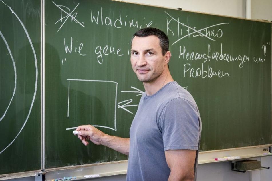 Wladimir Klitschko hat einen Doktortitel in Sportwissenschaften.