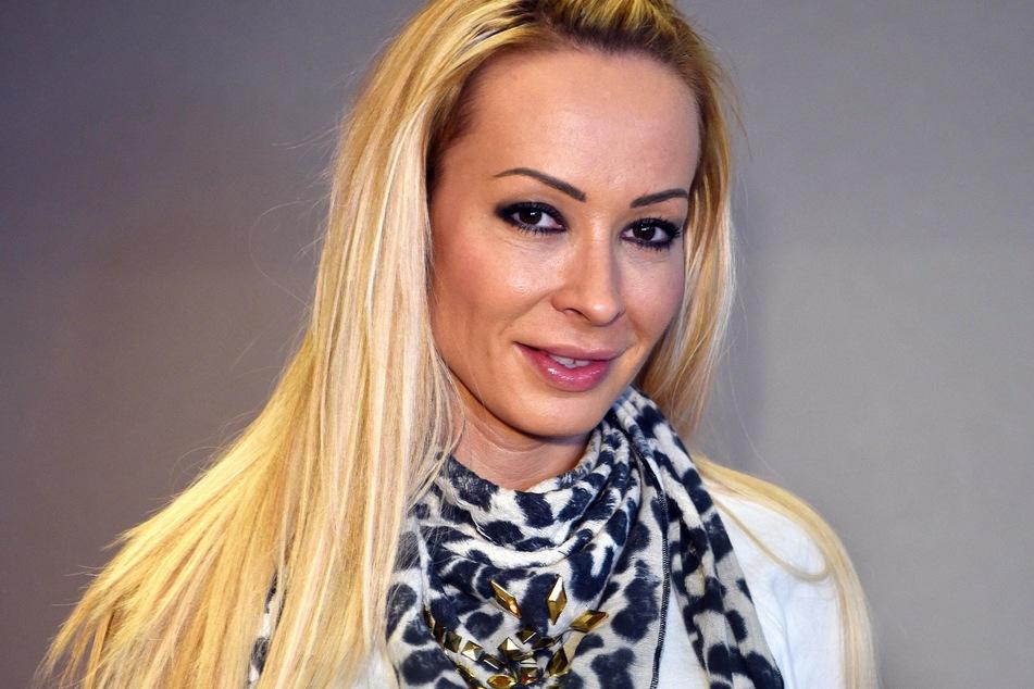 """Cora Schumacher (43) sucht bei """"Coras House of Love"""" nach ihrem Mr. Right."""