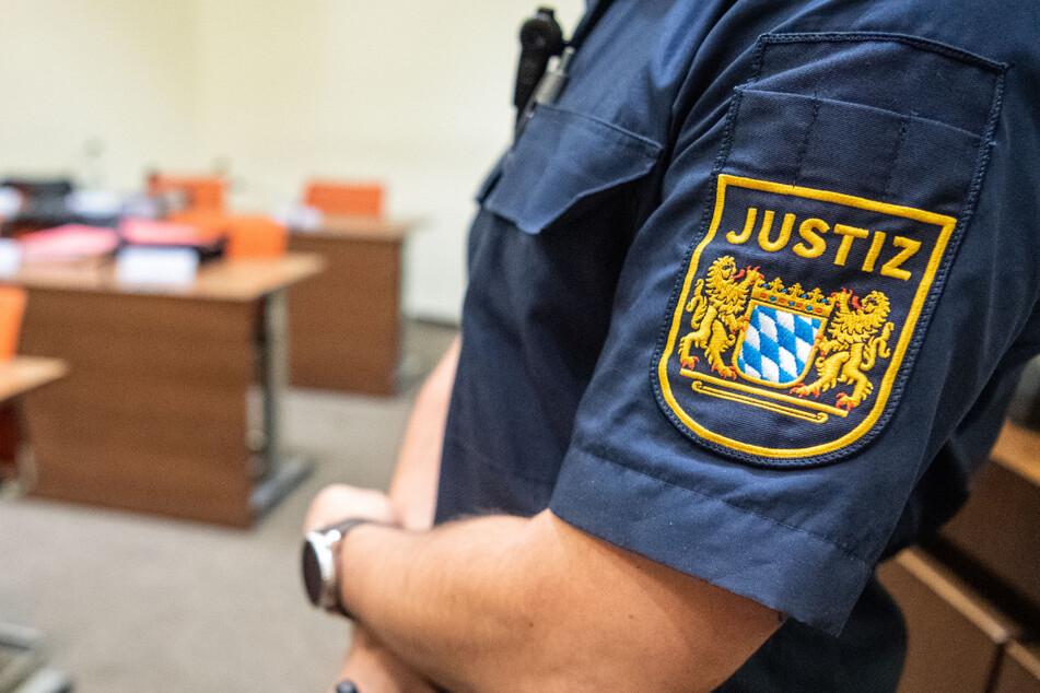 Im Prozess gegen eine mutmaßliche Rechtsterroristin sollen zwei Kommunalpolitiker vor dem Oberlandesgericht München aussagen. (Symbolbild)