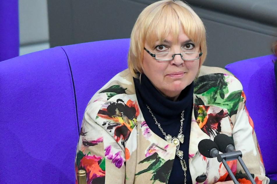 Claudia Roth: Warte noch auf Ergebnisse von bayerischem Corona-Test
