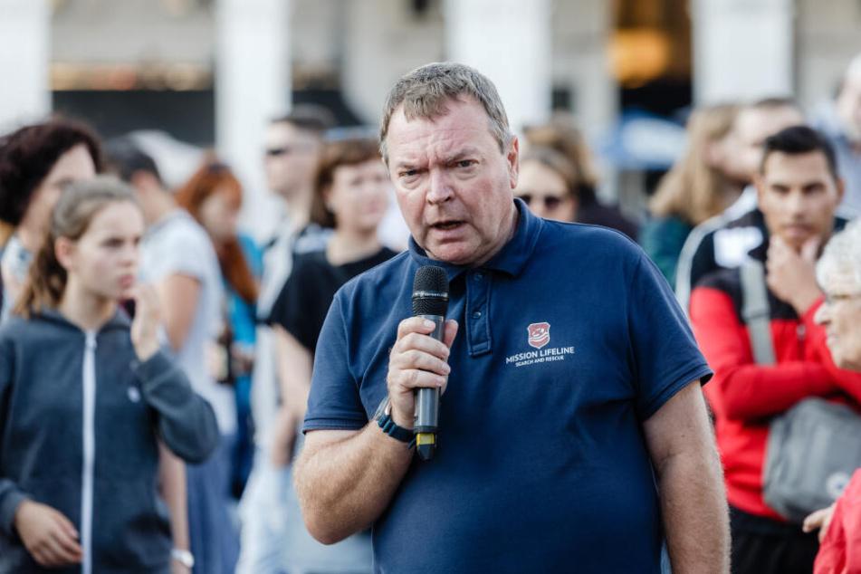 """Claus-Peter Reisch, Kapitän der """"Lifeline""""."""
