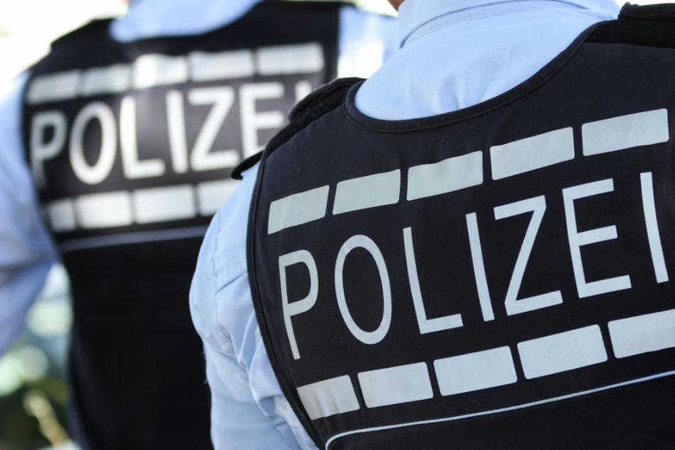 Die Polizei fahndete mit mehreren Streifenwagen und einem Hubschrauber - erfolglos. (Symbolbild)